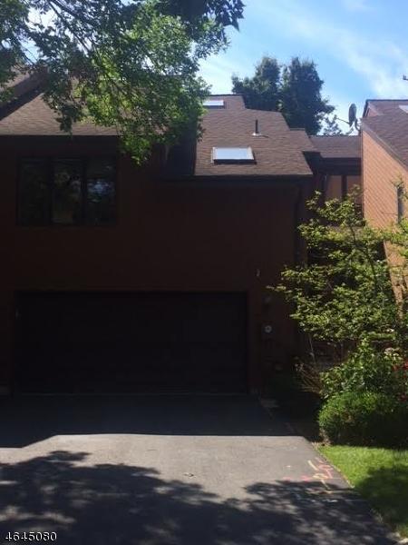 独户住宅 为 出租 在 4 McGuirk Lane 西奥兰治, 新泽西州 07052 美国