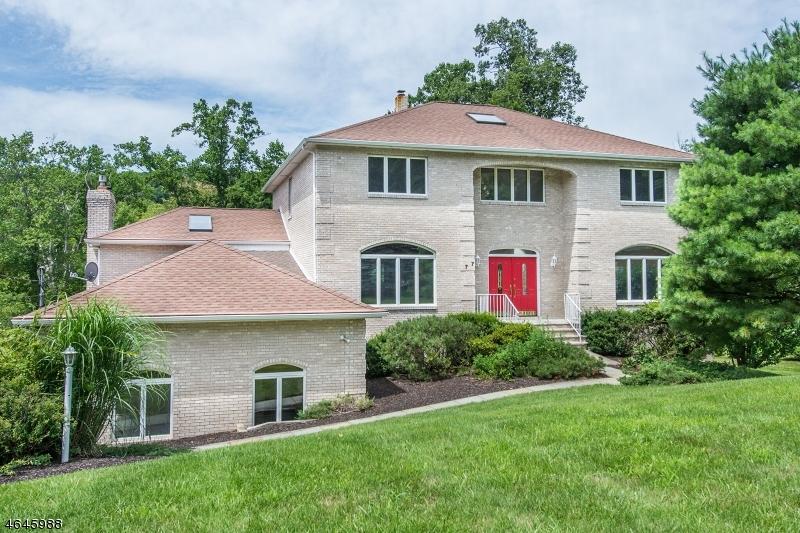 独户住宅 为 销售 在 77 Taylortown Road Montville, 07045 美国