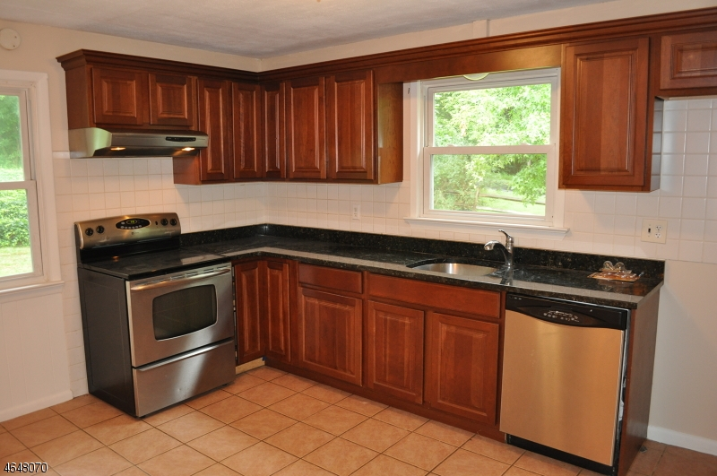 Additional photo for property listing at 6 Circle Drive  Lebanon, New Jersey 08833 États-Unis