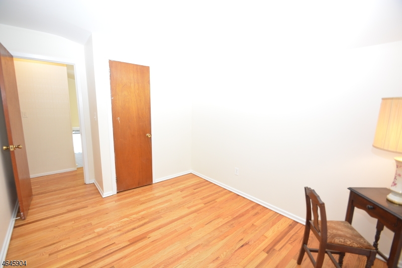 Additional photo for property listing at 10 Nokomis Avenue  Rockaway, Nueva Jersey 07866 Estados Unidos