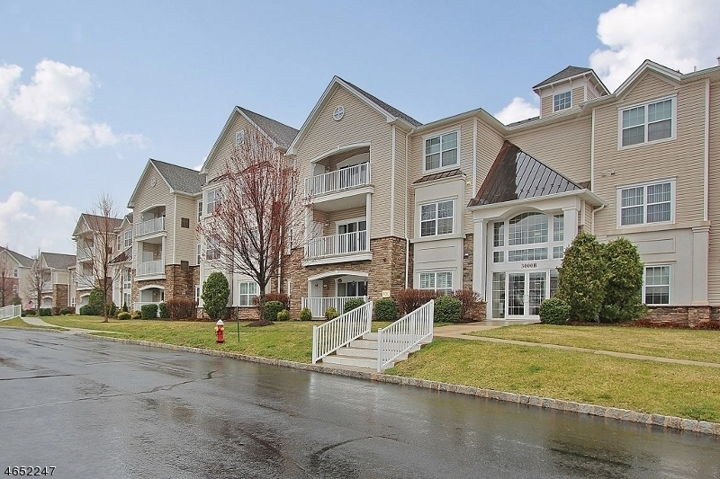 Maison unifamiliale pour l Vente à 3303 Chesterwood Way Somerset, New Jersey 08873 États-Unis