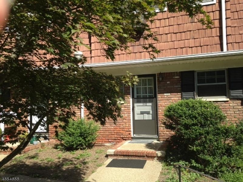 Casa Unifamiliar por un Venta en 320 South 16-E Morristown, Nueva Jersey 07960 Estados Unidos