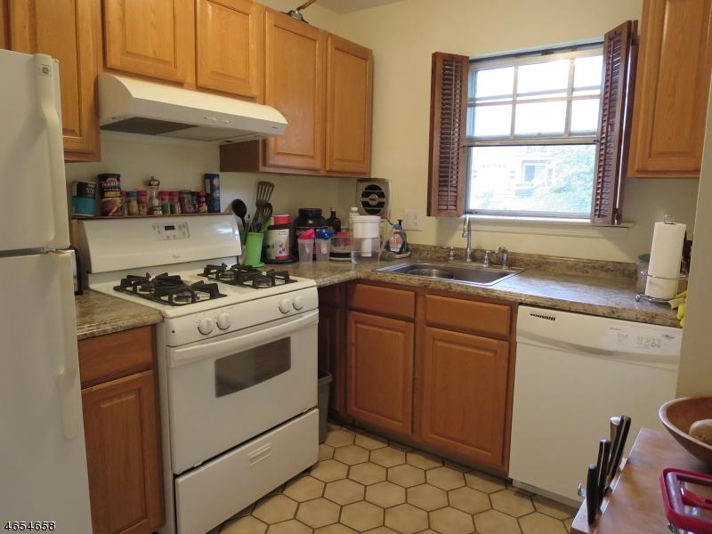 Additional photo for property listing at 320 South 16-E  Morristown, Nueva Jersey 07960 Estados Unidos