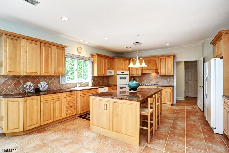 Additional photo for property listing at 60 Knightsbridge  沃昌, 新泽西州 07069 美国