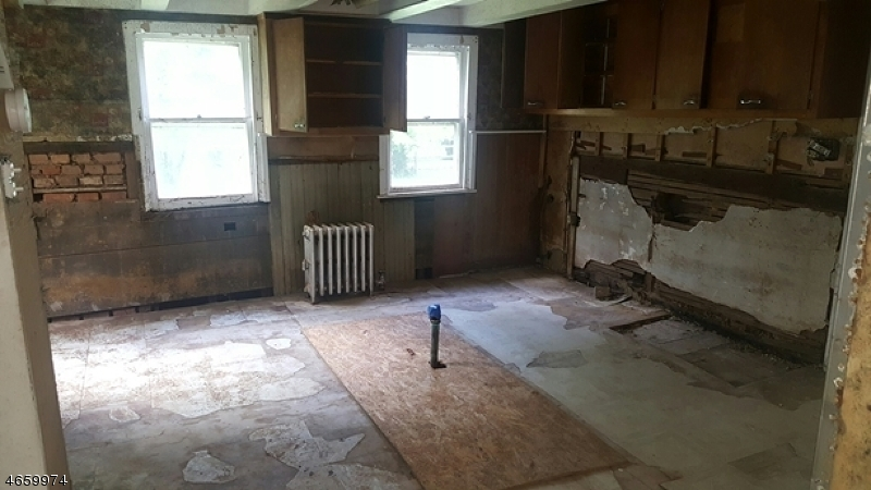Additional photo for property listing at 1024 State Route 28  Somerville, New Jersey 08876 United States