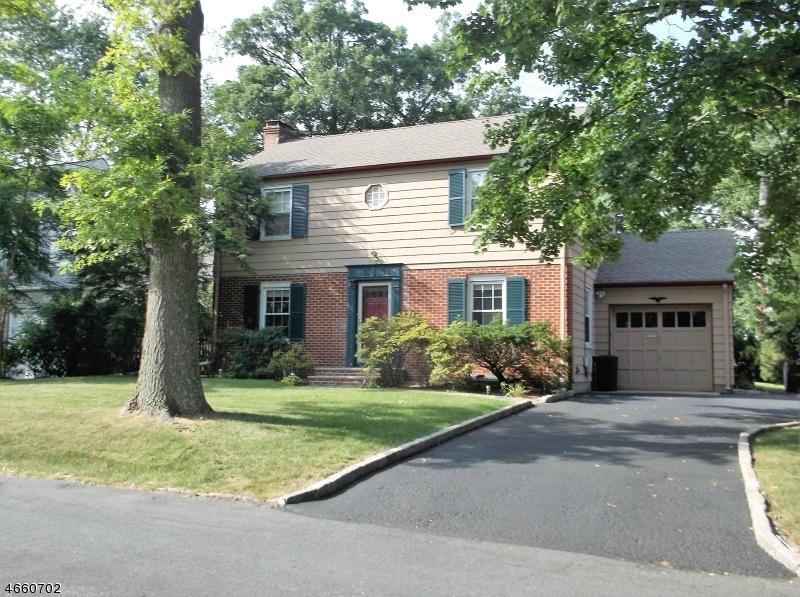 Частный односемейный дом для того Аренда на 45 Wellington Avenue Short Hills, Нью-Джерси 07078 Соединенные Штаты