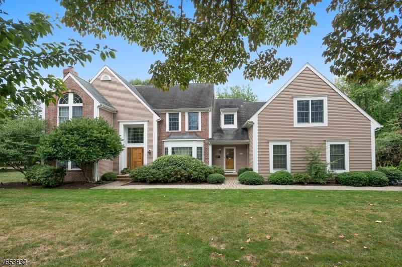 独户住宅 为 销售 在 76 Deer Creek Drive 巴思金里奇, 新泽西州 07920 美国
