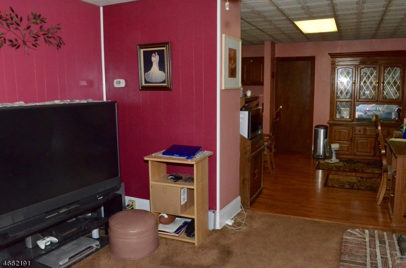 Additional photo for property listing at 205 Macopin Road  Bloomingdale, New Jersey 07403 United States