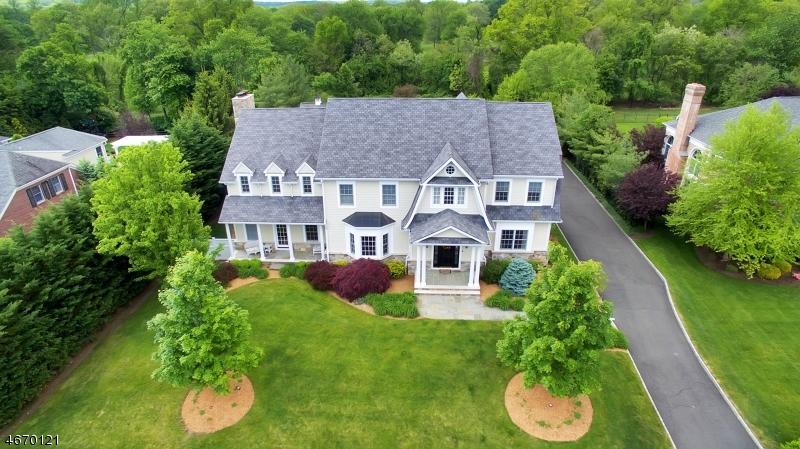 Частный односемейный дом для того Продажа на 697 Charnwood Drive Wyckoff, 07481 Соединенные Штаты