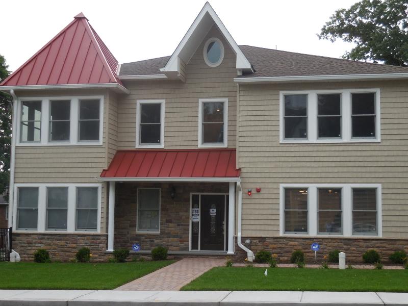 Maison unifamiliale pour l à louer à 180 Centre Street Nutley, New Jersey 07110 États-Unis
