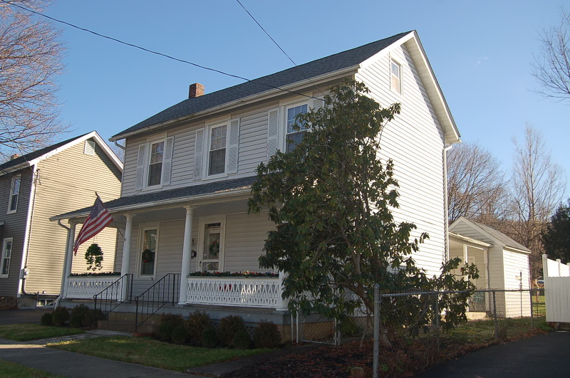 Single Family Home for Sale at 79 MAIN Street Bloomsbury, New Jersey 08804 United States