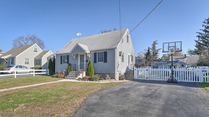 独户住宅 为 出租 在 5 Greendale Avenue Pequannock, 新泽西州 07444 美国
