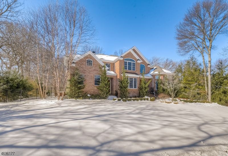 Single Family Home for Sale at 31 Leslie Avenue Florham Park, 07932 United States