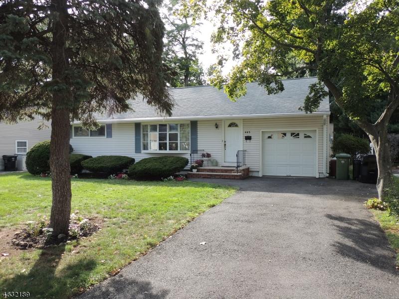 独户住宅 为 出租 在 445 Beech Avenue 帕拉默斯, 新泽西州 07652 美国