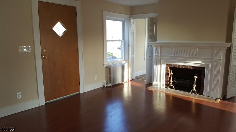 Maison unifamiliale pour l à louer à 19 Fairway Avenue Belleville, New Jersey 07109 États-Unis