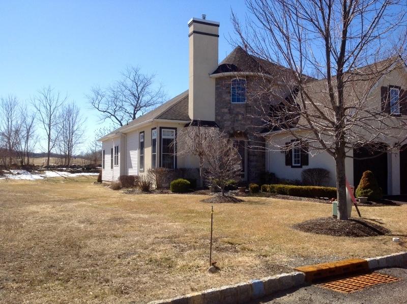 独户住宅 为 销售 在 41 Bluffs Court 汉堡, 07419 美国