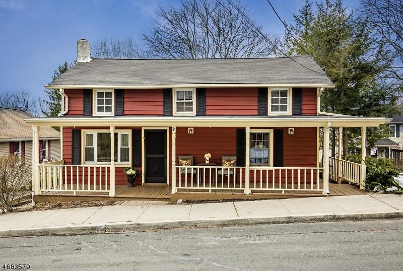 Частный односемейный дом для того Аренда на 37 E Grand Street Hampton, Нью-Джерси 08827 Соединенные Штаты