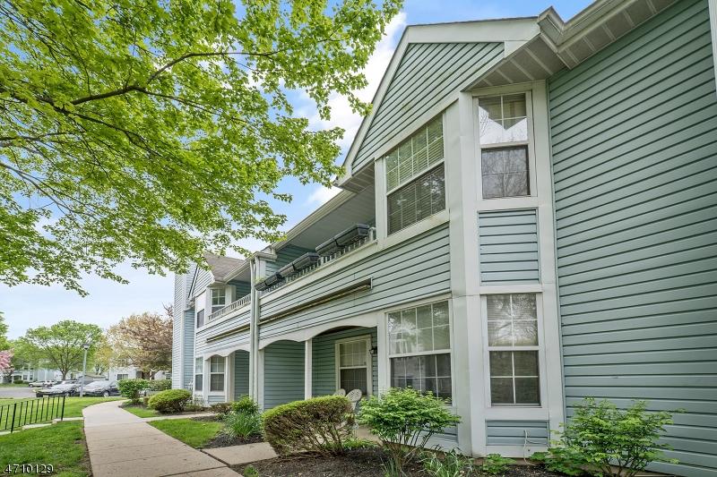 Μονοκατοικία για την Πώληση στο 35 Oswestry Way Franklin, New Jersey 08873 United States
