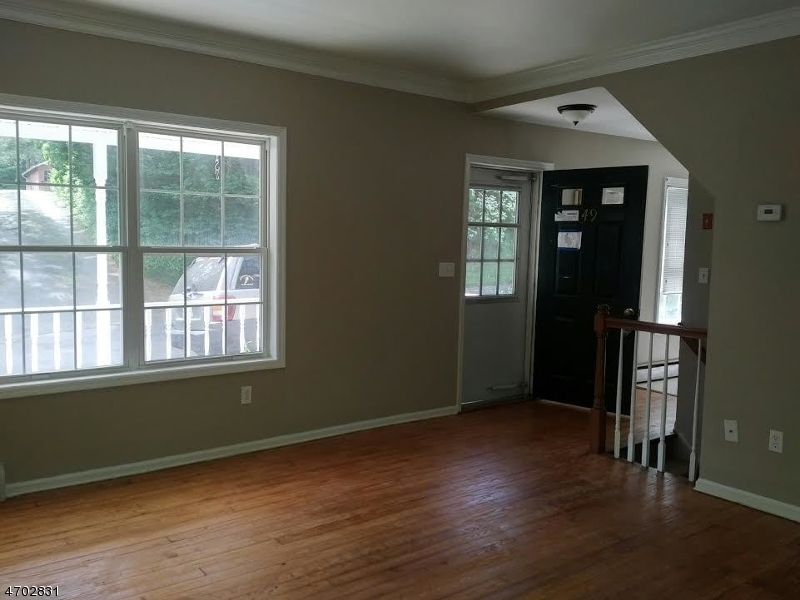 Additional photo for property listing at 49 WILLOW AVENUE  Bloomsbury, Nueva Jersey 08804 Estados Unidos