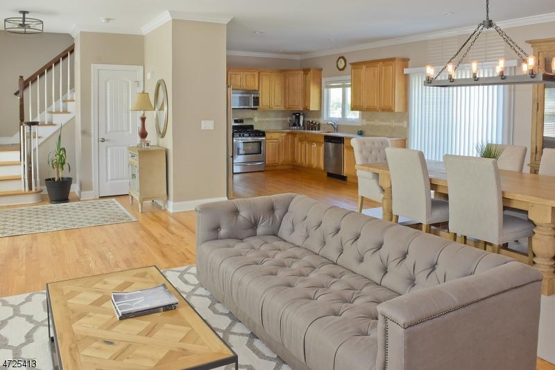 Частный односемейный дом для того Продажа на 23 ALAN Drive Parsippany, Нью-Джерси 07054 Соединенные Штаты