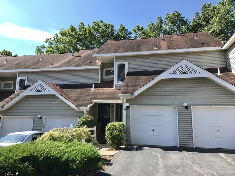 Casa Unifamiliar por un Alquiler en 13 Stone House Court Oak Ridge, Nueva Jersey 07438 Estados Unidos