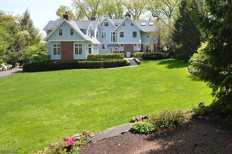 独户住宅 为 销售 在 66 Fernwood Road 萨米特, 新泽西州 07901 美国
