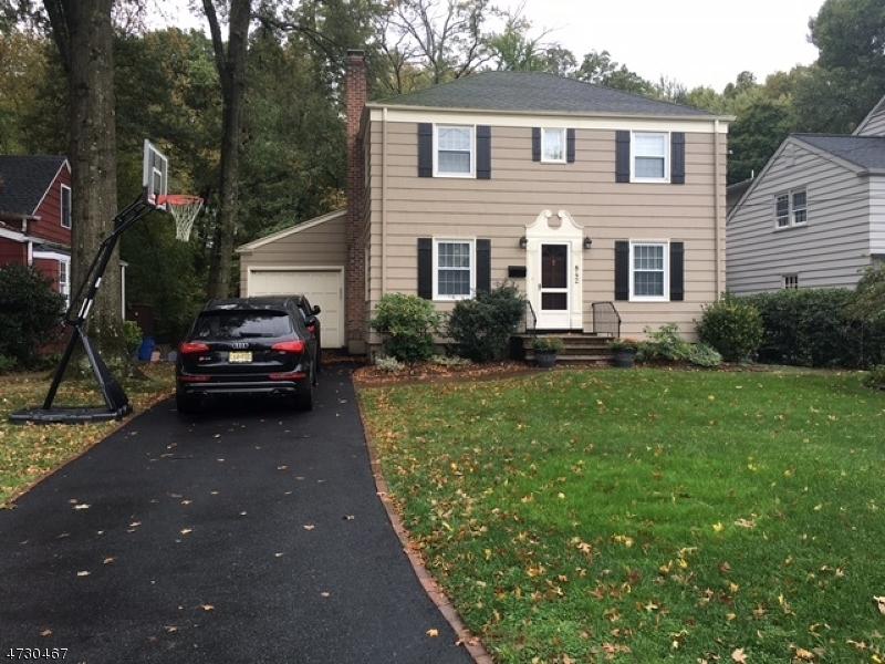 Maison unifamiliale pour l à louer à 842 Summit Avenue Westfield, New Jersey 07090 États-Unis