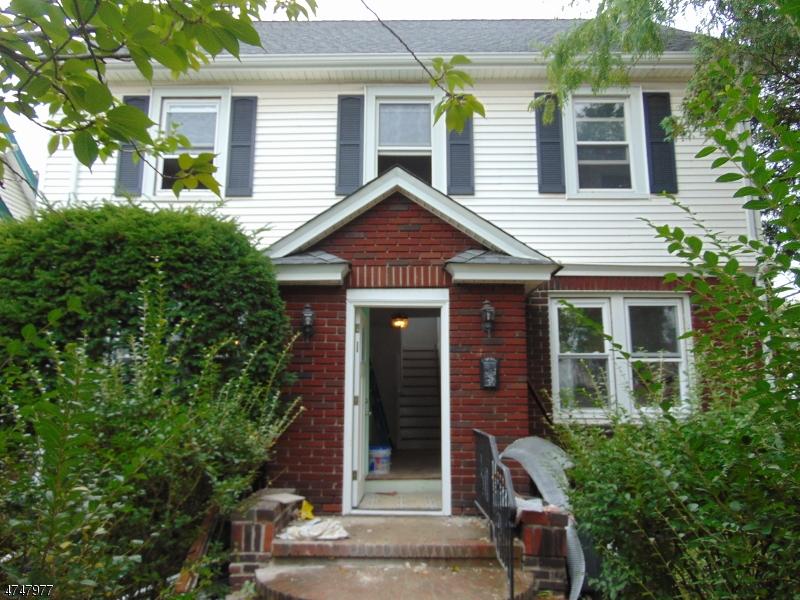 Casa Unifamiliar por un Alquiler en 301 Hillside Rd , Elizabeth, Nueva Jersey 07208 Estados Unidos