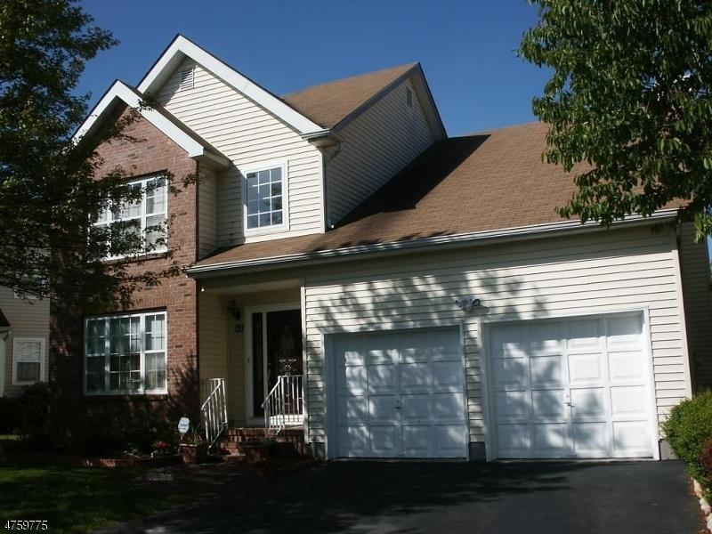 Maison unifamiliale pour l à louer à 43 Nostrand Road Hillsborough, New Jersey 08844 États-Unis