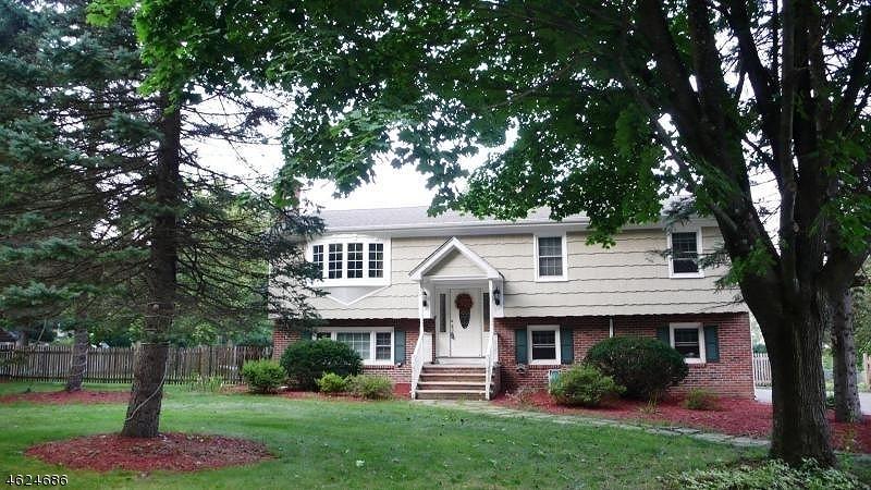 独户住宅 为 出租 在 27 Davenport Road 西米尔福德, 新泽西州 07438 美国