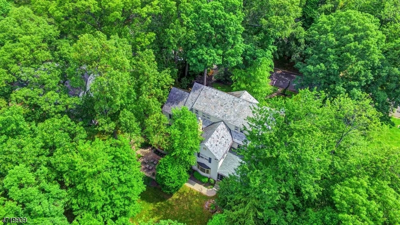 Single Family Home for Sale at 910 CHARLOTTE ROAD Plainfield, New Jersey 07060 United States