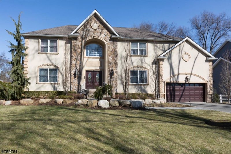 Single Family Home for Sale at 167 Behnke Avenue Paramus, New Jersey 07652 United States