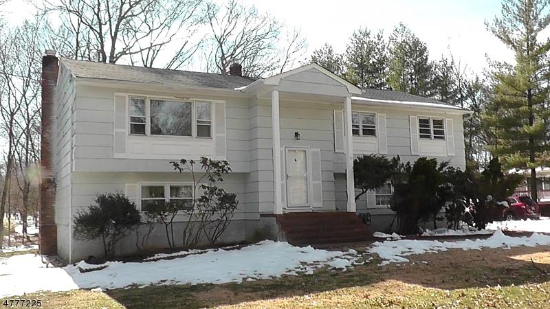 Vivienda unifamiliar por un Venta en 10 N Pond Road 10 N Pond Road Whippany, Nueva Jersey 07981 Estados Unidos