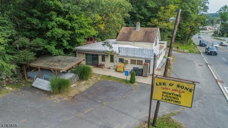 Vivienda multifamiliar por un Venta en 116 ROUTE 206 Byram Township, Nueva Jersey 07874 Estados Unidos