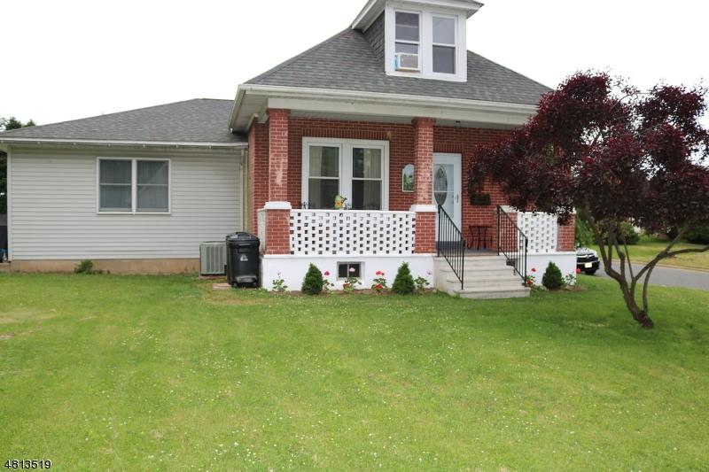Μονοκατοικία για την Πώληση στο 1001 SIGSBEE Avenue Alpha, Νιου Τζερσεϋ 08865 Ηνωμενεσ Πολιτειεσ