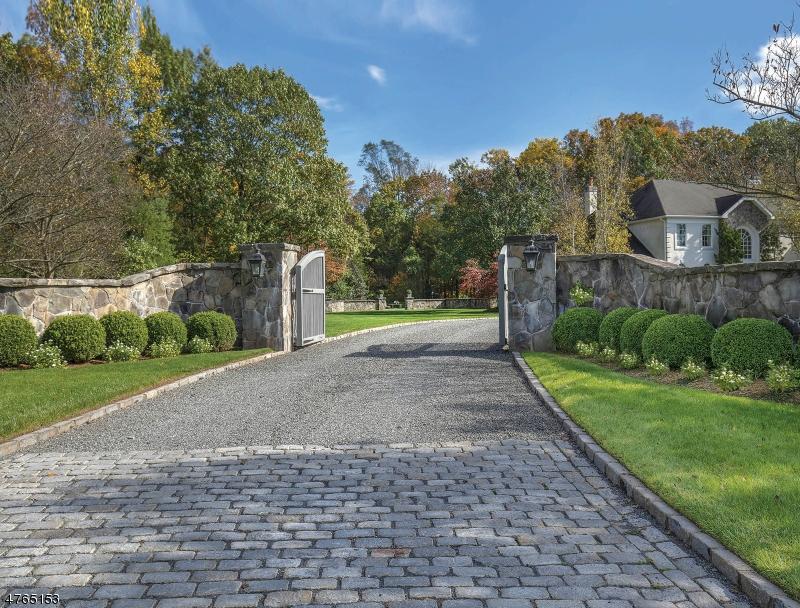 Частный односемейный дом для того Продажа на 2 Bamboo Lane Chester, Нью-Джерси 07931 Соединенные Штаты