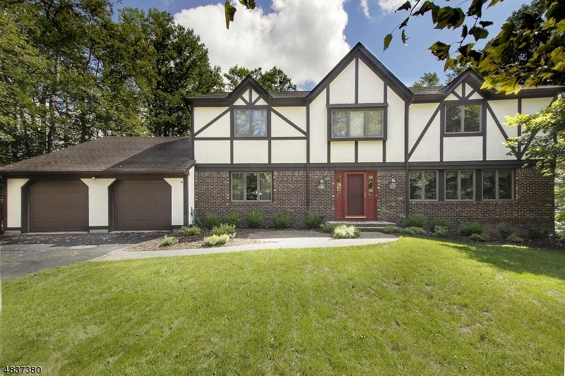 Enfamiljshus för Försäljning vid 11 DEVON ROAD Washington, New Jersey 07853 Förenta staterna