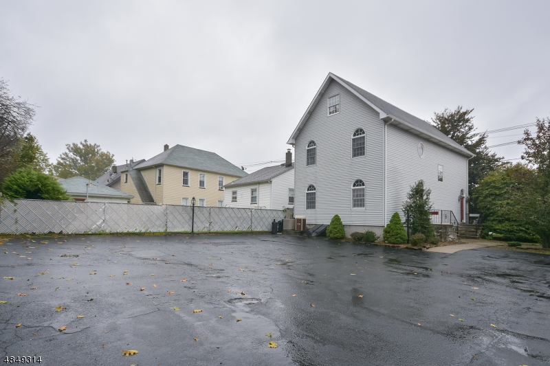 Comercial para Venda às 986 MCBRIDE Avenue Woodland Park, Nova Jersey 07424 Estados Unidos