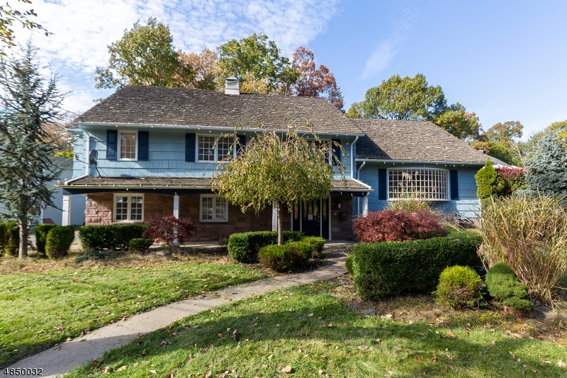 Single Family Home for Sale at 99 SUNCREST Avenue North Haledon, New Jersey 07508 United States