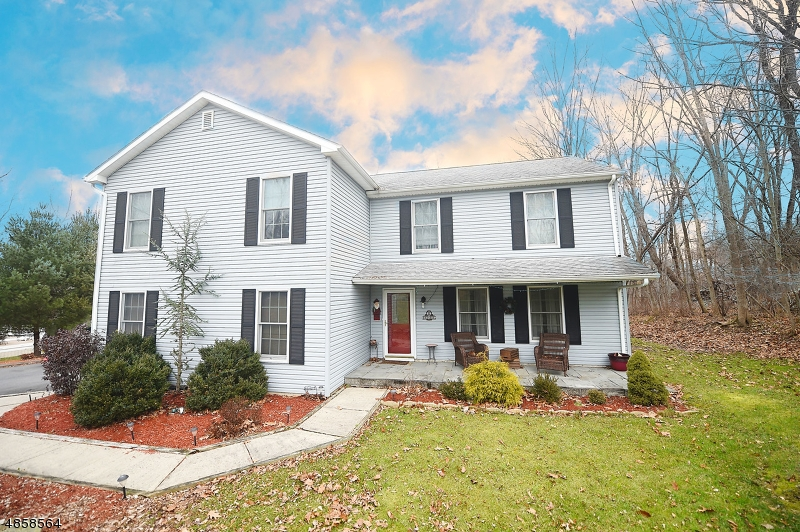 Single Family Home for Sale at 9 FOX RUN Road Glen Gardner, New Jersey 08826 United States