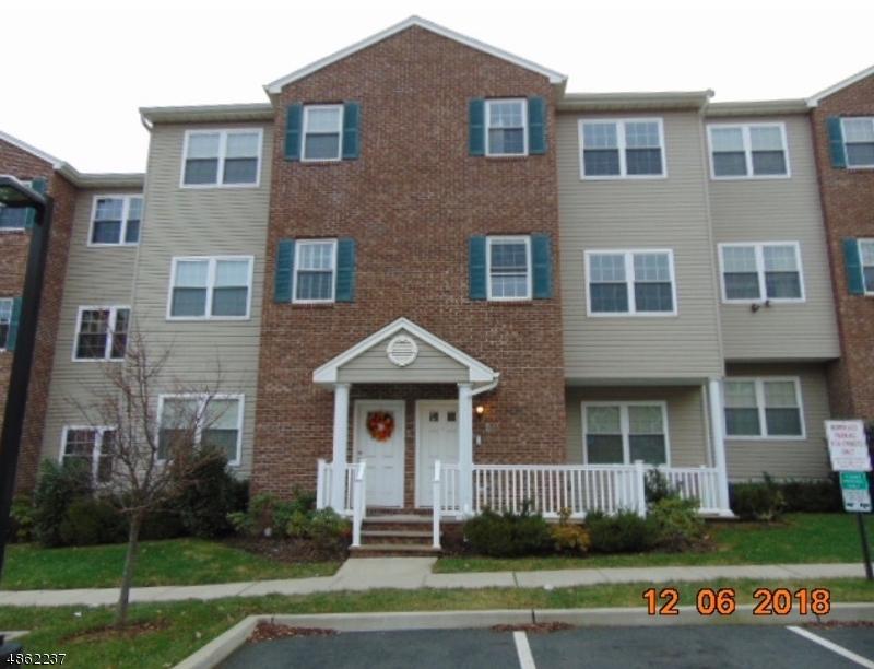 Condo / Townhouse pour l Vente à 61 HIGH ST UNIT 6 Orange, New Jersey 07050 États-Unis