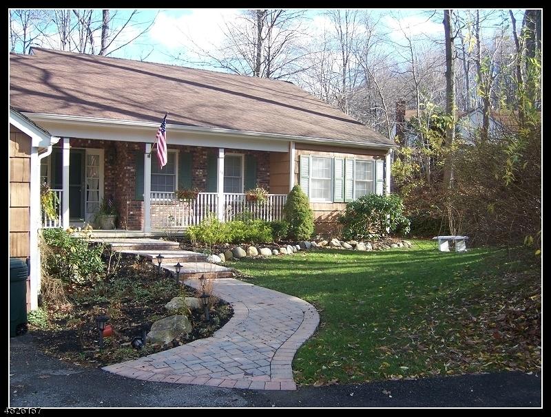 Vivienda unifamiliar por un Venta en Allamuchy, Nueva Jersey 07840 Estados Unidos