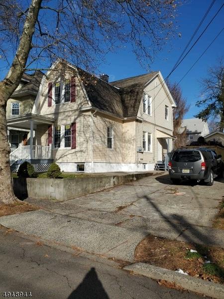 Multi-Family Homes 为 销售 在 Belleville, 新泽西州 07109 美国