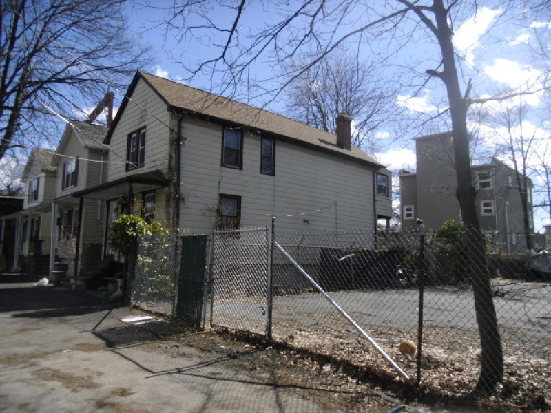 Additional photo for property listing at 11 Tremont Avenue  Orange, New Jersey 07050 États-Unis
