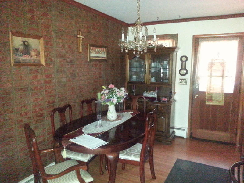 Additional photo for property listing at 1357 Omaha Road  North Brunswick, New Jersey 08902 États-Unis