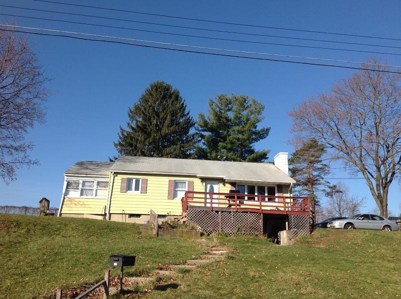 Частный односемейный дом для того Продажа на 22 Carl Walsh Road Franklin, Нью-Джерси 07416 Соединенные Штаты
