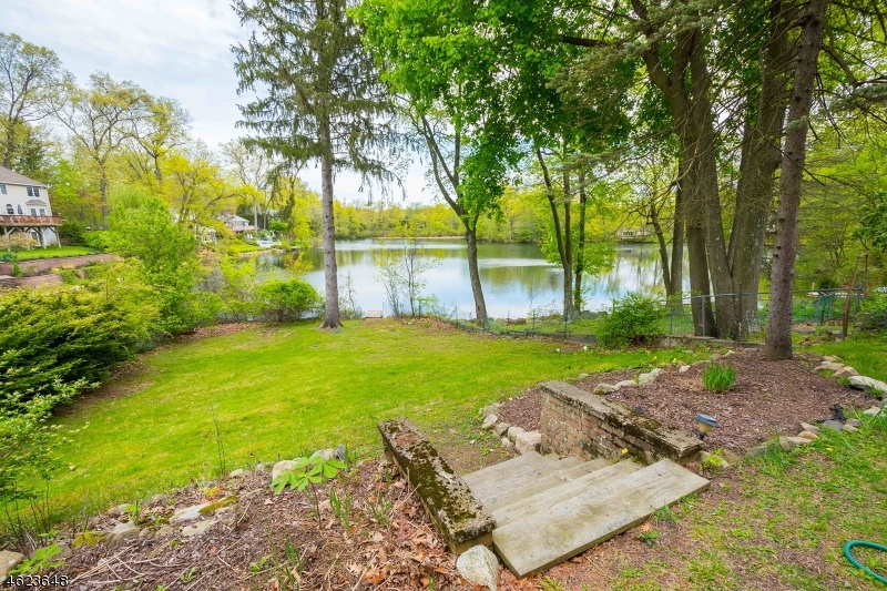 Additional photo for property listing at 1 Hillside Road  Denville, New Jersey 07834 États-Unis