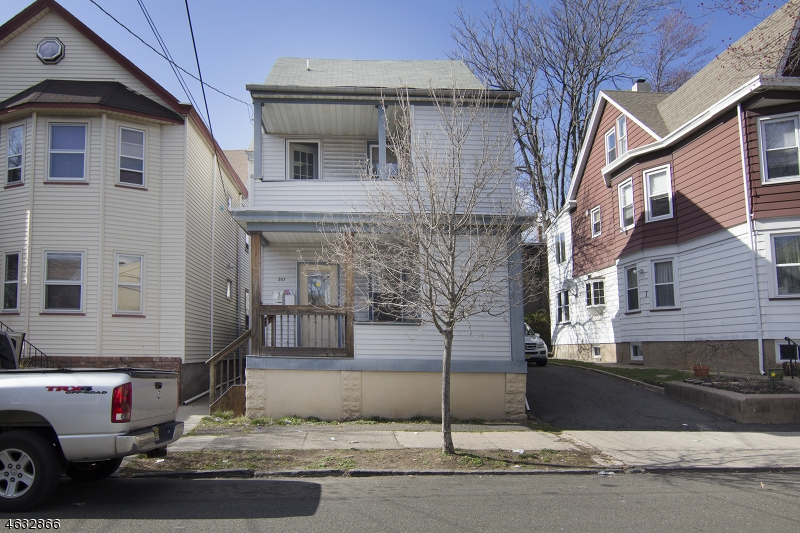 Additional photo for property listing at 247 N 11th Street  Haledon, New Jersey 07508 États-Unis