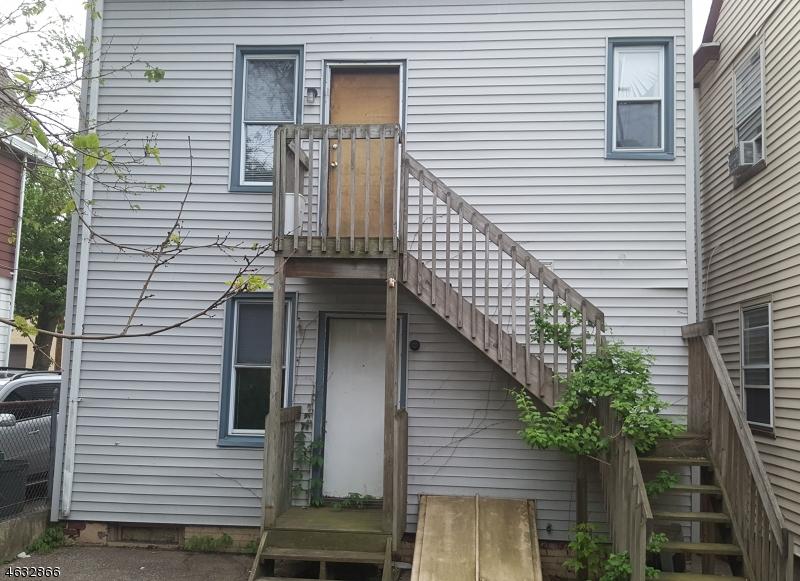 Additional photo for property listing at 247 N 11th Street  Haledon, Nueva Jersey 07508 Estados Unidos