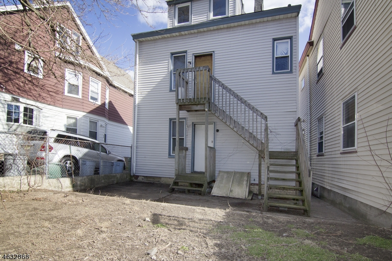 Additional photo for property listing at 247 N 11th Street  Haledon, 新泽西州 07508 美国